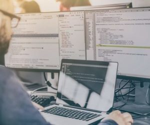 Full Stack Developers vs. Specialized Developers. Which software developer should you hire?
